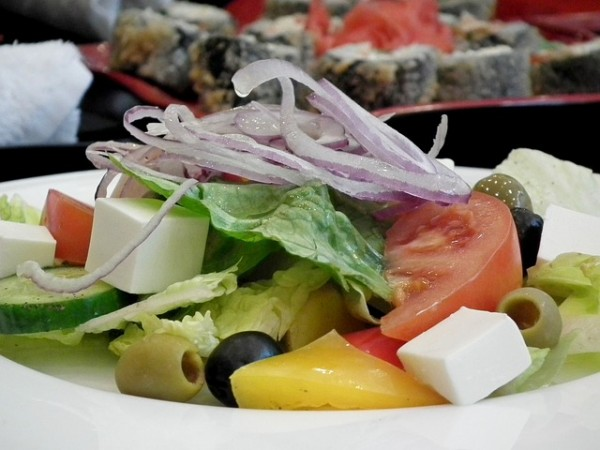 Griechischer Salat mit Fetakäse